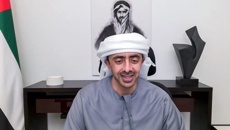 """عبدالله بن زايد: الالتزام والوعي والتضافر وتبني العلم سبيلنا لتجنب تداعيات """"كوفيد – 19"""""""