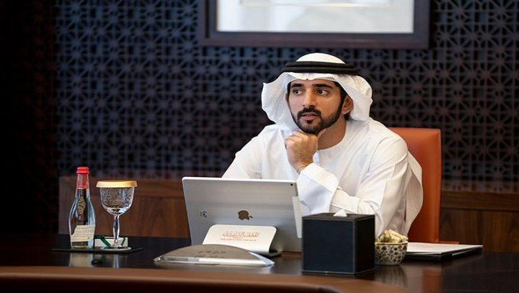 حمدان بن محمد يصدر قرارا بشأن تنظيم تقديم خدمة تبريد المناطِق في دبي