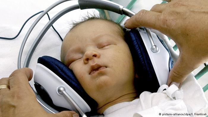 هل هناك ارتباط بين موسيقى موتسارت وذكاء ونمو الرضع؟