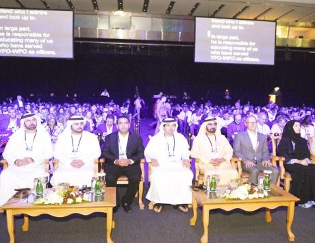 محمد بن راشد: بسواعد أبنائنا نبني مستقبل الإمارات