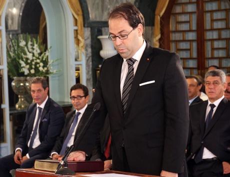 الحكومة التونسية الجديدة تؤدي اليمين بعد نيلها ثقة البرلمان