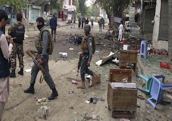 طالبان تقتل 20 شرطياً في هجوم واسع النطاق