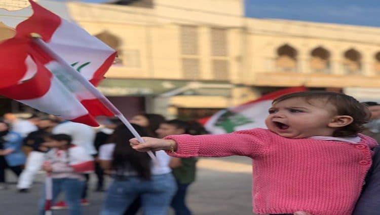 الاحتجاجات تتواصل في لبنان … وترقب كلمة لرئيس الجمهورية