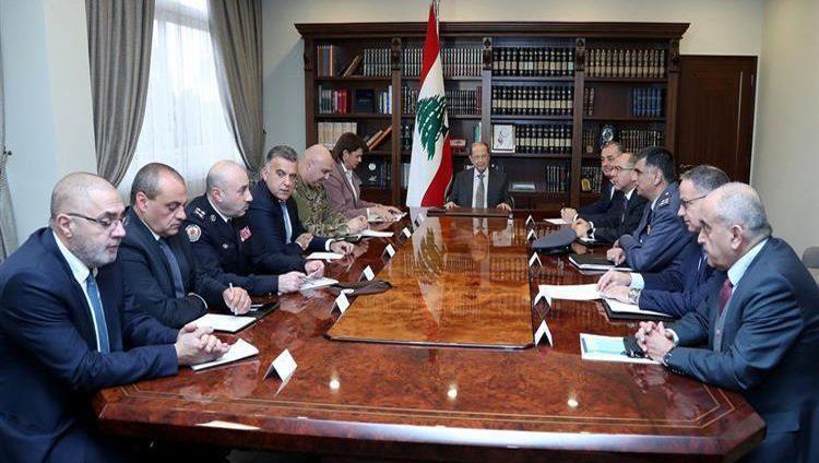 عون يجتمع مع مسؤولي الأمن والحريري يدعو لتشكيل الحكومة