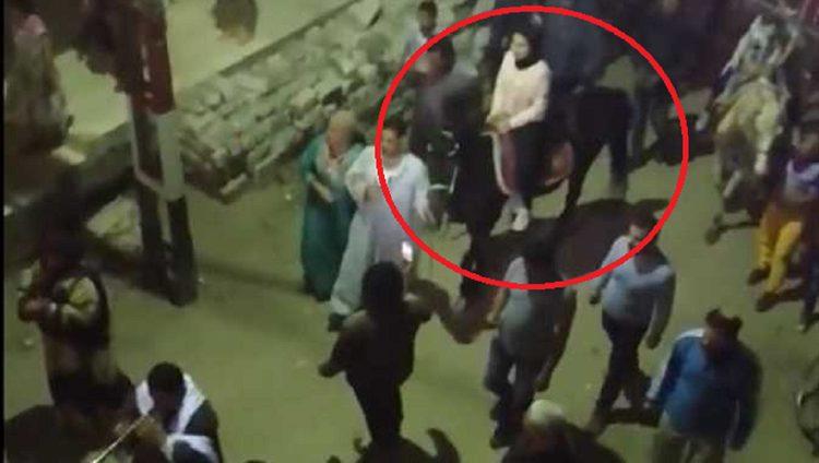 مصريون يستقبلون ممرضة متعافية من كورونا بمفاجئة غير متوقعة