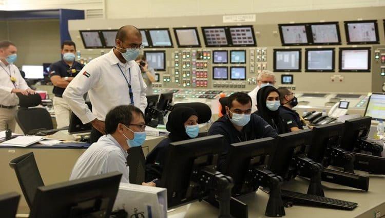 ربط أولى محطات براكة للطاقة النووية السلمية بشبكة نقل الكهرباء في الدولة