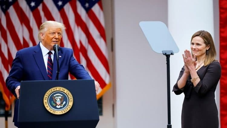 ترامب يعين القاضية كوني باريت بالمحكمة العليا الأميركية