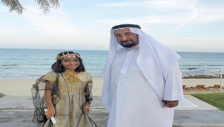 حاكم الشارقة يلبي رغبة طفلة من خورفكان بلقائه