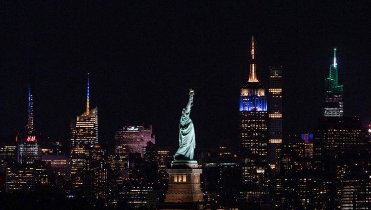 نيويورك ترفع معظم قيود كورونا