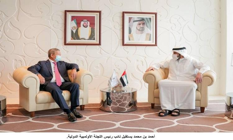 أحمد بن محمد يستقبل نائب رئيس اللجنة الأولمبية الدولية