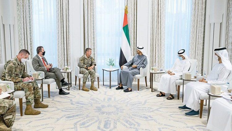 محمد بن زايد يستقبل قائد بعثة «الدعم الحازم» والقوات الأميركية في أفغانستان