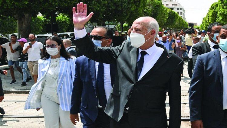 ما الذي ينتظره التونسيون من رئيسهم يوم الإثنين؟