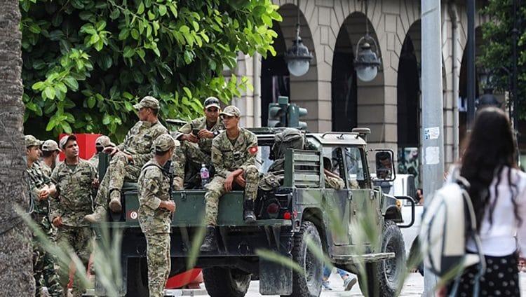 المشروعية سلاح الرئيس التونسي في صراعه مع «الإخوان»