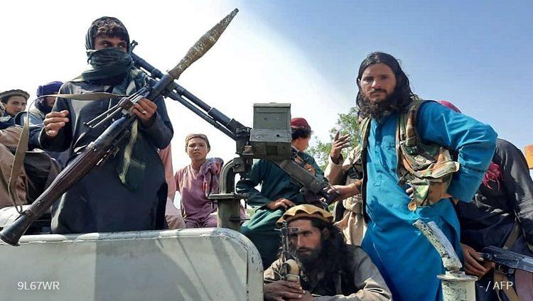 أنباء عن تولي وزير الداخلية السابق علي أحمد جلالي الإدارة الانتقالية في أفغانستان