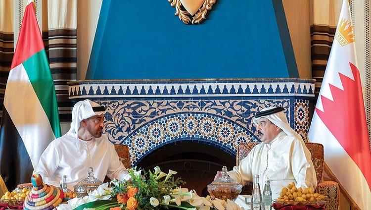 محمد بن زايد وحمد بن عيسى يبحثان التعاون المشترك